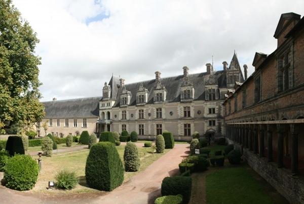 Lâu đài Château de Châteaubriant, Pháp
