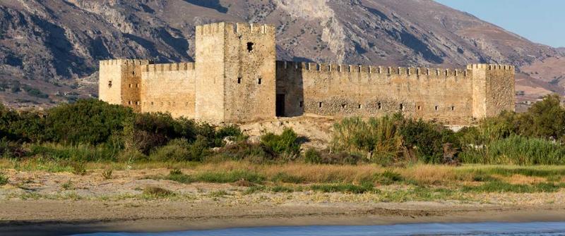 Ảo ảnh xuất hiện tại lâu đài Frangokastello, Hy Lạp