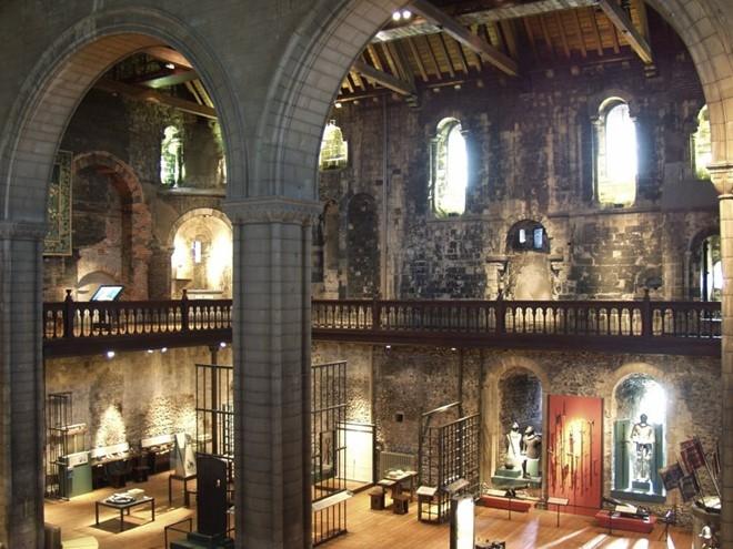 Các gian phòng trong lâu đài