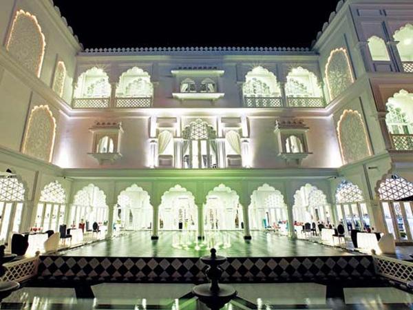 Lâu đài kiến trúc Ấn Độ - Sài Gòn