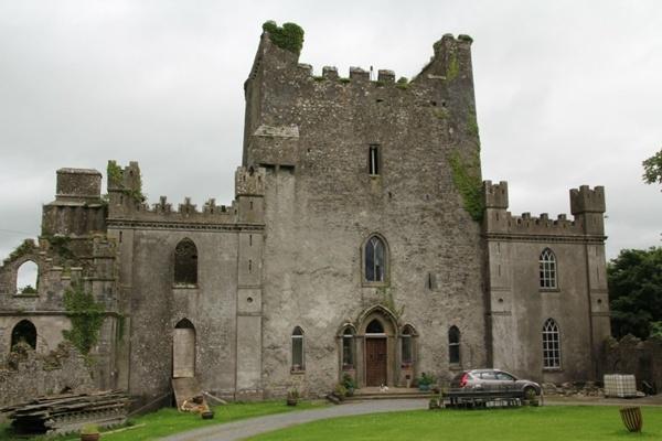 Lâu đài Leap, Bắc Roscrea, Ireland