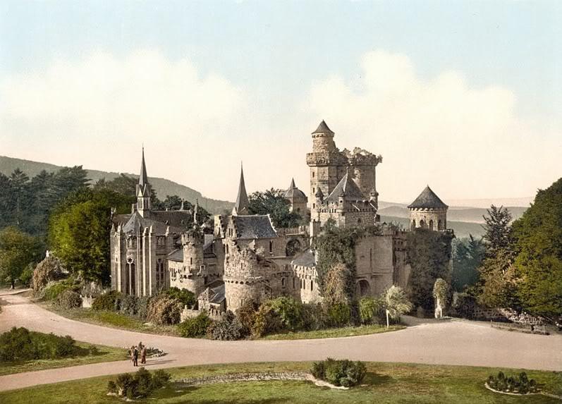 Lâu đài Lowenburg
