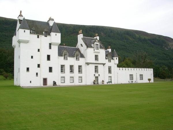 Lâu đài Meggernie, Scotland