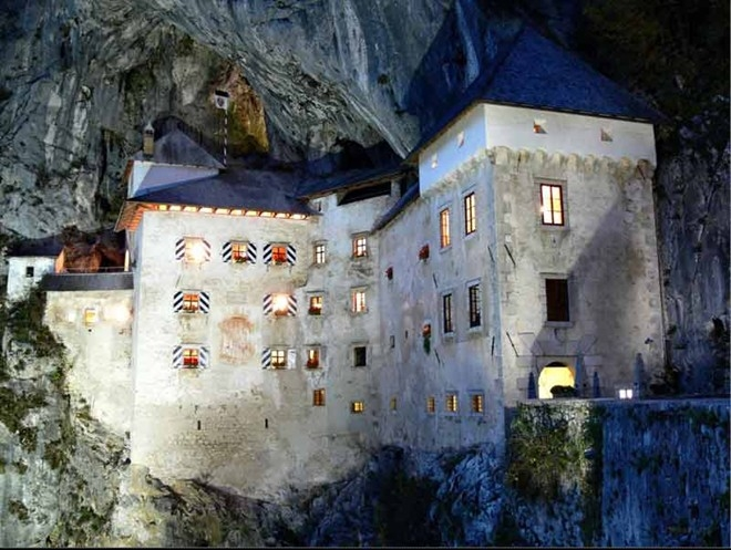 Lâu đài Predjamski: tòa lâu đài gắn liền với hang động