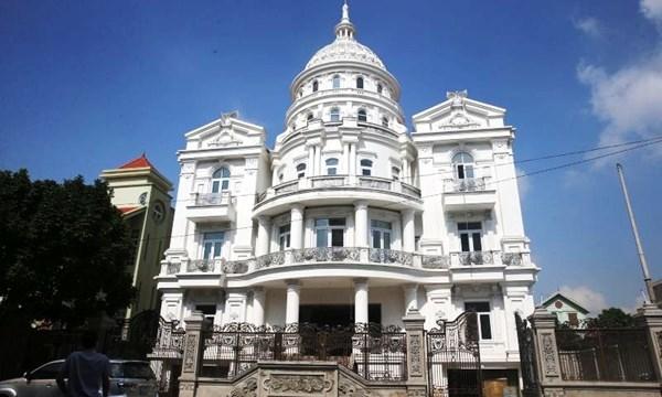 Lâu đài trắng ở Ninh Bình