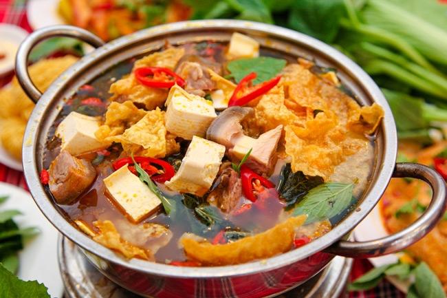 Lẩu Dê SOS Làng Hoa là quán ăn ngon nức tiếng ở quận Gò Vấp
