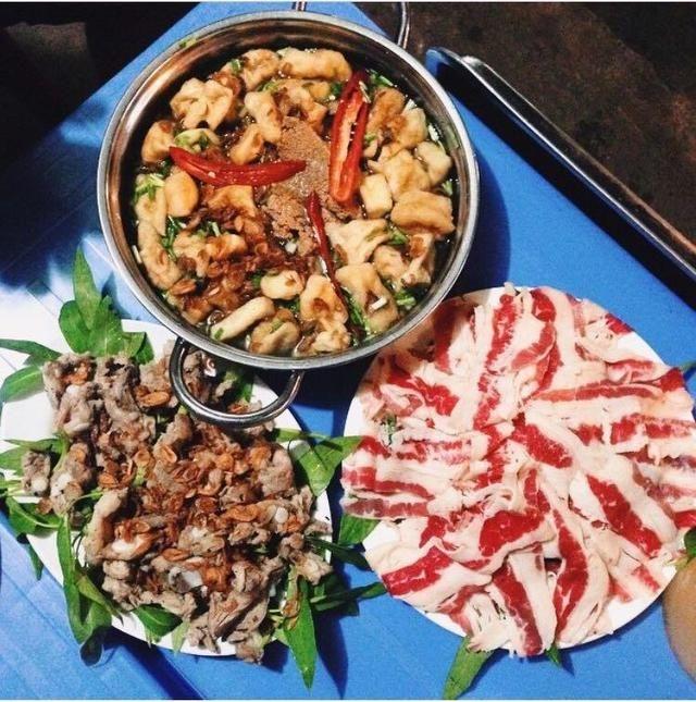 Lẩu Hít là quán lẩu ngon nổi tiếng khắp Hà Nội