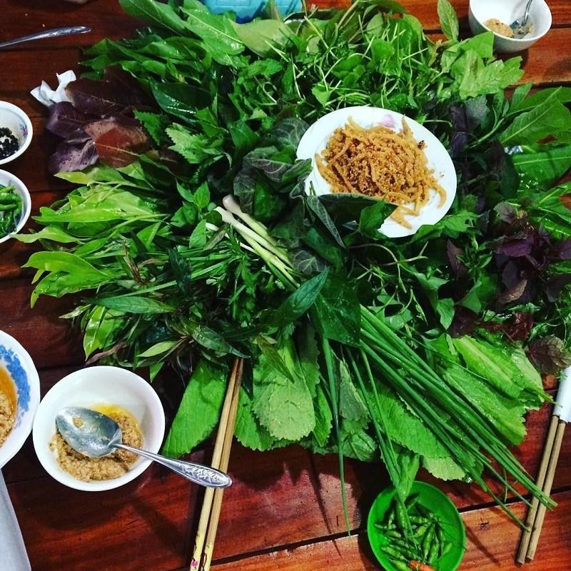 Lẩu lá rừng Đắk Nông - Quán ăn Hoàng Ngân