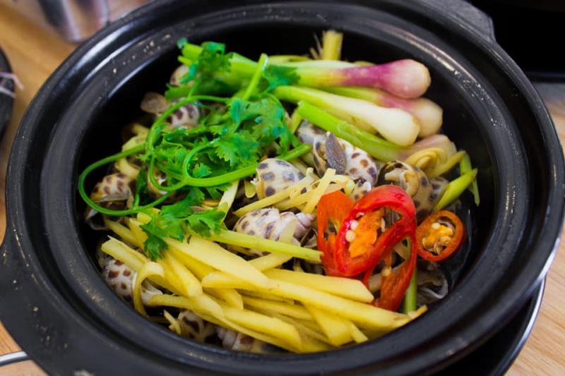 Lẩu mực nấu chao Thuận Phúc