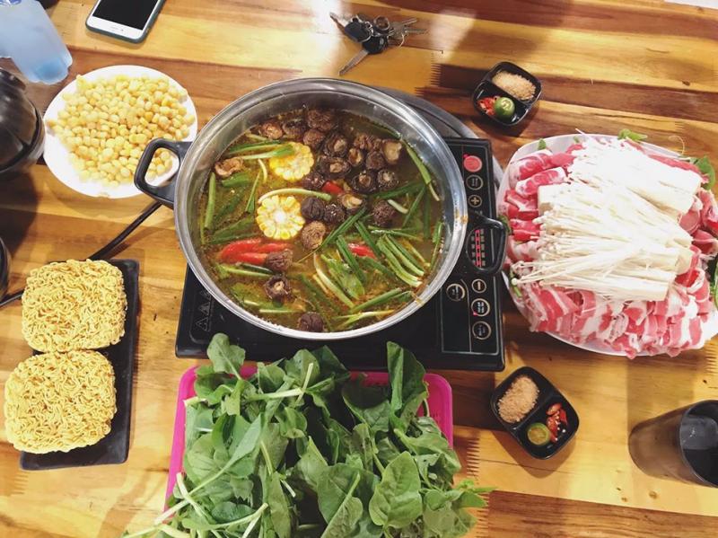 Lẩu nướng không khói một trong những quán ăn ngon tại Thường Tín
