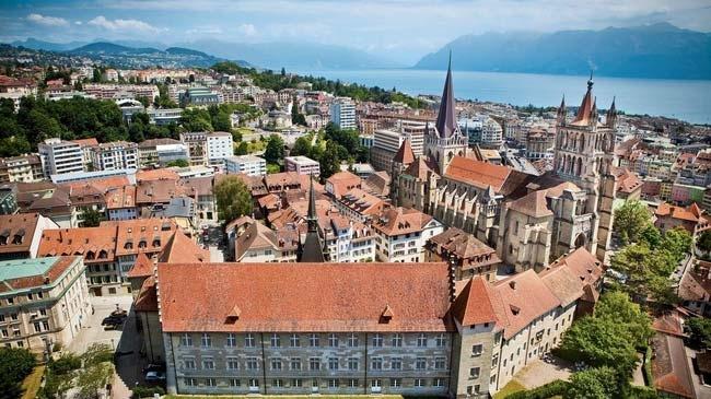 Đây là một thành phố cổ kính sở hữu tòa lâu đài tráng lệ