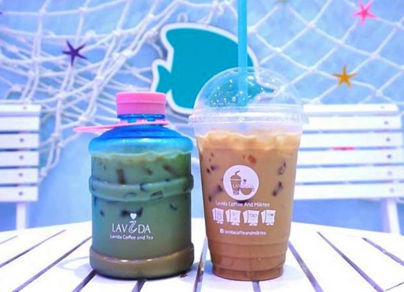 Sắc màu chủ đạo là xanh biển, khách hàng sẽ vừa uống trà sữa ở Sài Gòn nhưng lại có cảm giác như đang ở biển