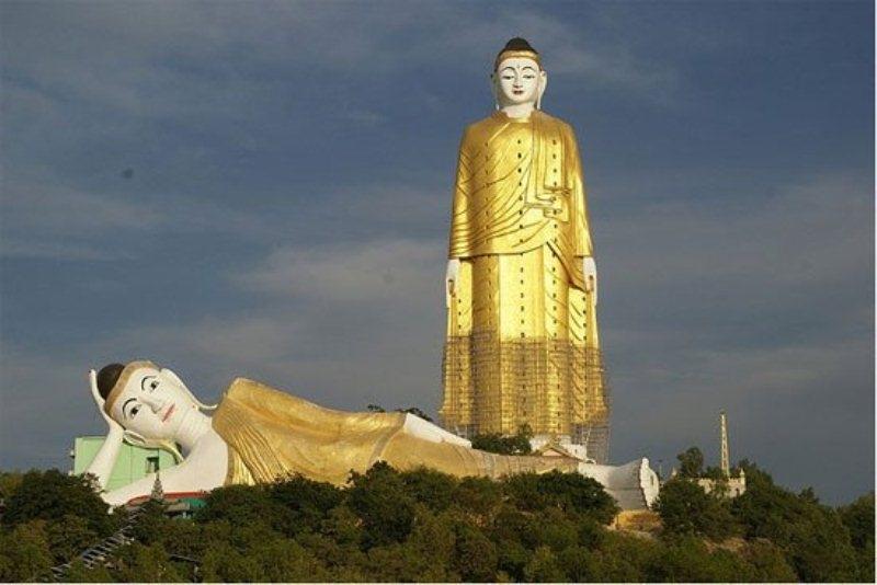 Bức tượng Laykyun Setkyar