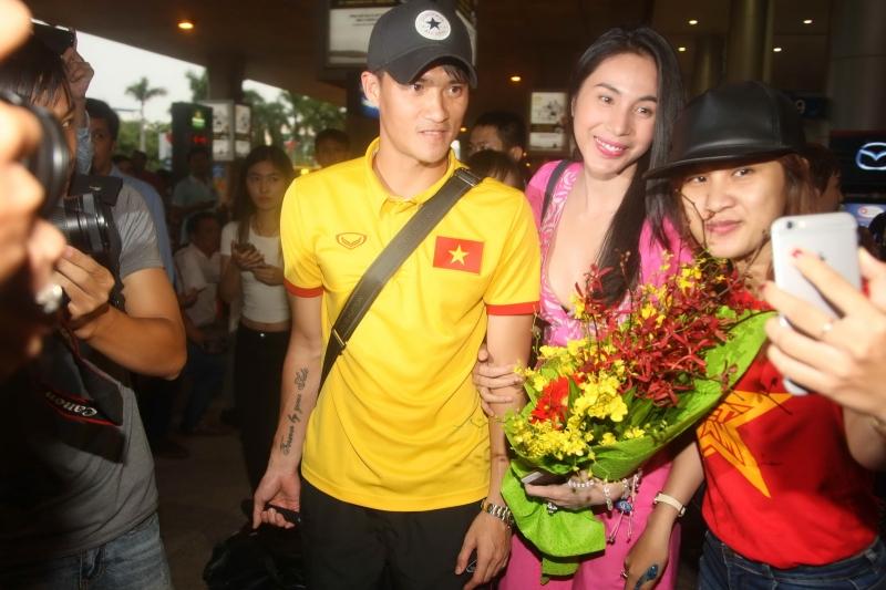 Công Vinh trở thành hình mẫu của làng bóng đá Việt Nam với những thành công cả trong lẫn ngoài sân cỏ