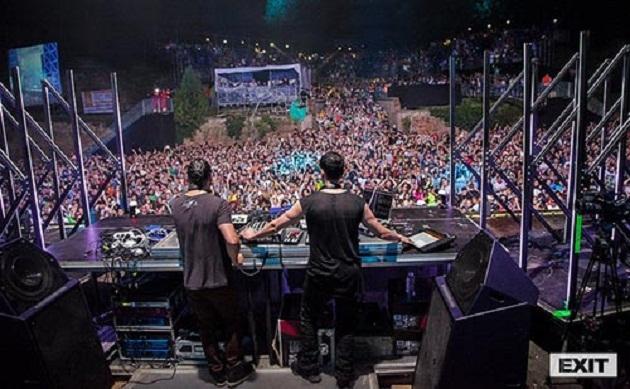 Lễ hội âm nhạc Exit được tổ chức hàng năm vào mùa hè, kéo dài 4 ngày