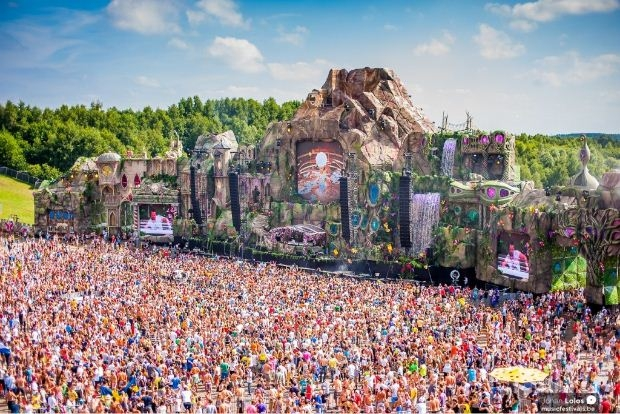Sân khấu hoành tráng của lễ hội Tomorrowland