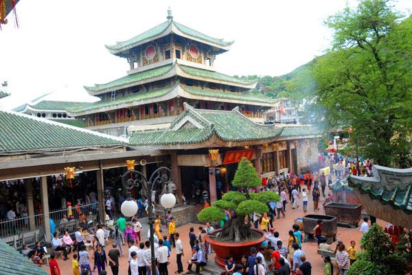 Top 10 Lễ hội văn hóa truyền thống ở miền Tây Nam Bộ