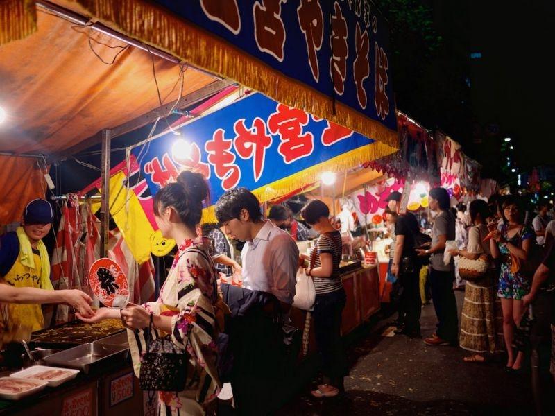Các gian hàng ẩm thực trong lễ hội Gion