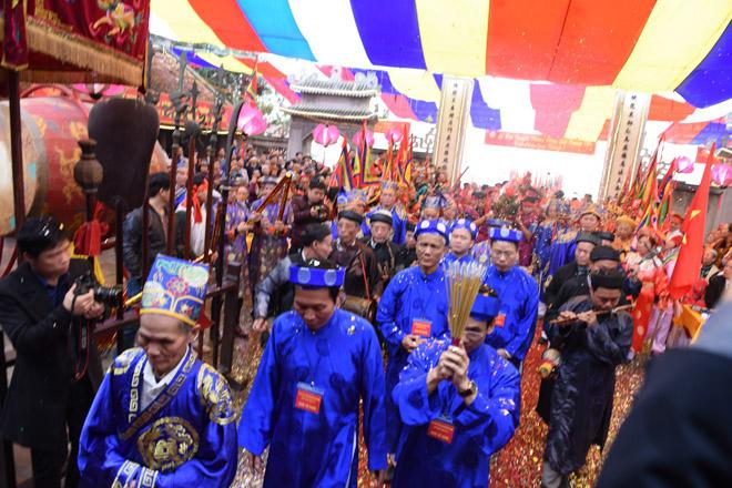 Lễ hội làng truyền thống