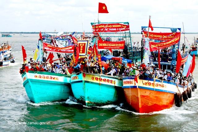 Lễ hội Nghinh Ông là lễ hội nổi tiếng ở Cần Giờ