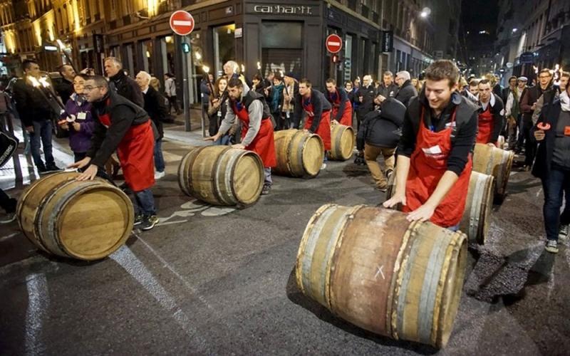 Tham gia lễ hội rượu vang của nước Pháp là có cơ hội thưởng thức ly rượu vang trứ danh