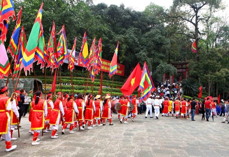 Top 14 lễ hội truyền thống nổi tiếng nhất Việt Nam