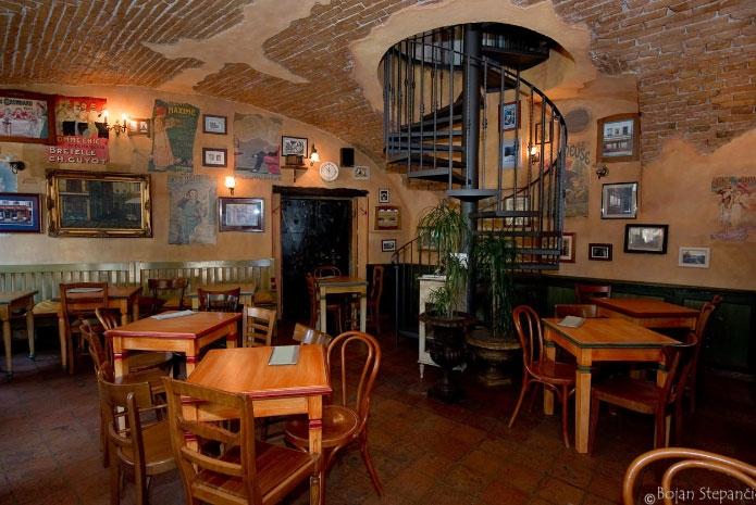 Không gian bên trong quán Le Petit