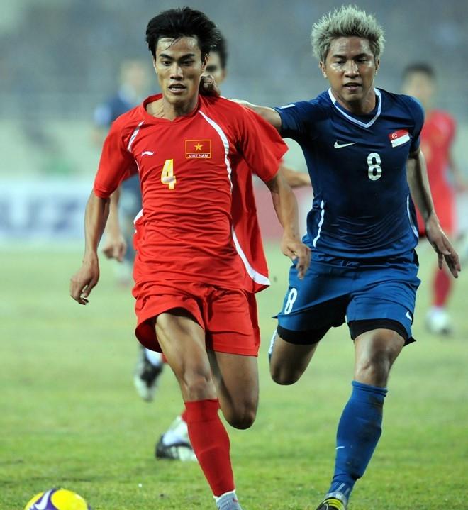 Hòn đá tảng của tuyển Việt Nam với một phong cách thi đấu điềm tĩnh, kỷ luật và cũng rất máu lửa