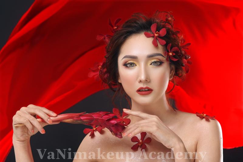 Vani makeup Academy quy tập đội ngũ Photo chuyên nghiệp, lành nghề, hài hước và có tâm sáng tạo ra những shoot hình độc đáo và mang chất riêng của các bạn