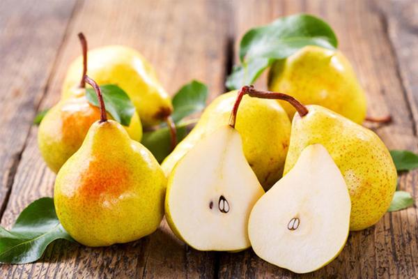 Lê có tính mát, giảm ngay các triệu chứng ngứa cổ và vitamin, khoáng chất giúp tăng cường dưỡng chất cho cơ thể