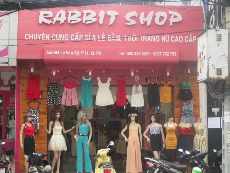 Một shop bất kì bạn cũng rất có thể tìm thấy trên Lê Văn Sỹ