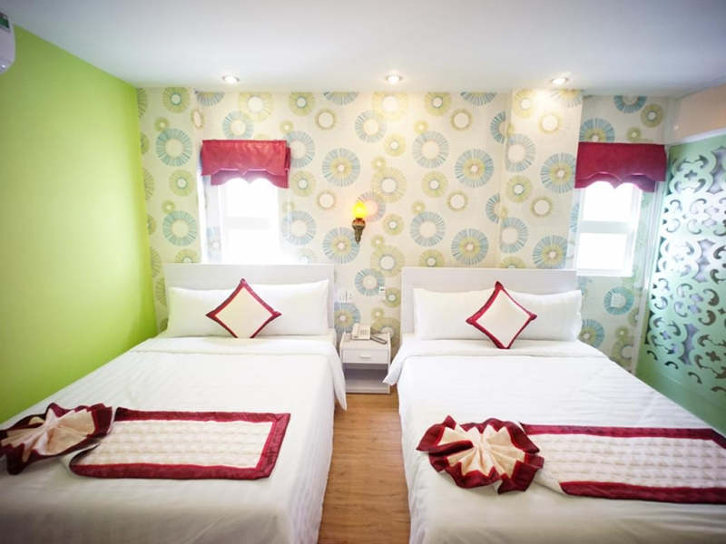 Khách sạn gồm 20 phòng, được thiết kế tiện nghi hiện đại.