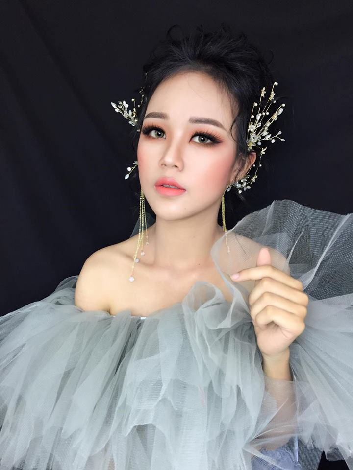 Lee Thuy make up