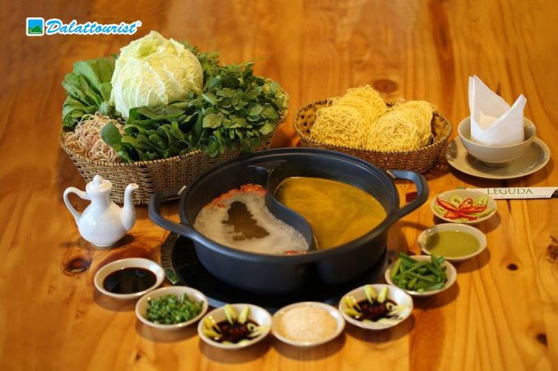 Đến với nhà hàng Léguda Nha Trang ,ngoài gói Buffet Rau còn có nước Lẩu đi kèm, bạn sẽ được thưởng thức hương vị lẩu đặc biệt tại nhà hàn