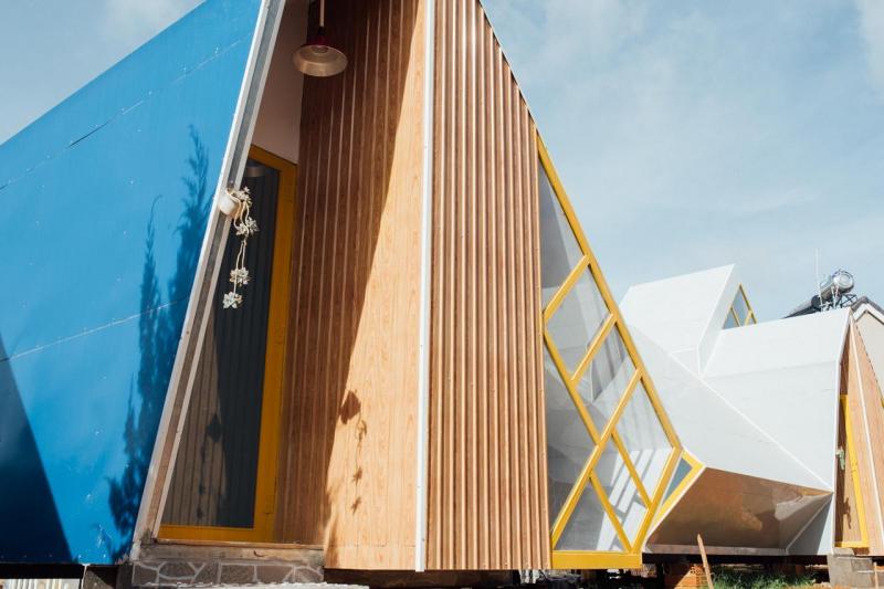 Légume Home được thiết kế theo phong cách từng phòng riêng nằm trong vườn cây cối do Ba Légume trồng