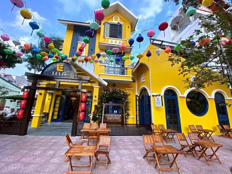 Lela Coffee House