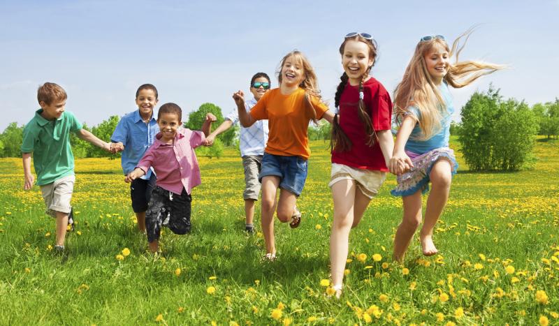 Lên kế hoạch cho một cuộc vui chơi giúp con mạnh dạn và tự tin hơn.