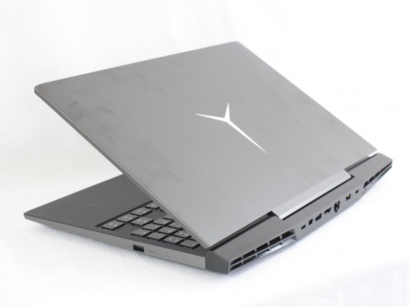 Laptop Lenovo Legion Y7000 có khả năng hiển thị màu sắc và độ sắc nét đáng kinh ngạc