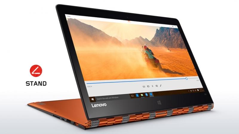 Điểm nhấn của Lenovo Yoga Pro 900 chính là chiếc bản lề đặc biệt, trông giống như món đồ trang sức bằng kim loại