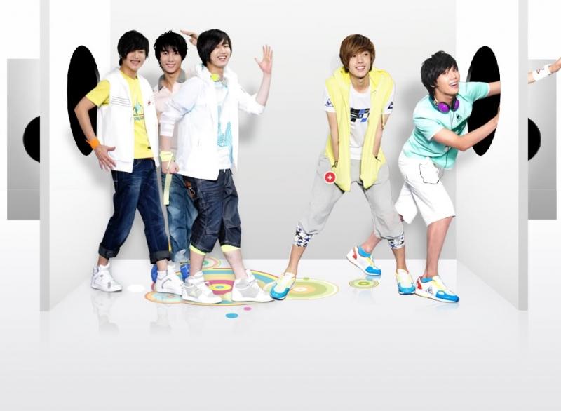 Hình ảnh tinh nghịch của nhóm