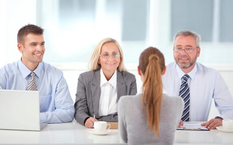 Lí do gì khiến bạn lại lựa chọn chúng tôi mà không phải một cơ quan, tổ chức hay công ty nào khác?