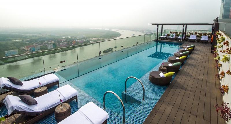 Bể bơi riêng ngoài trời của khách sạn