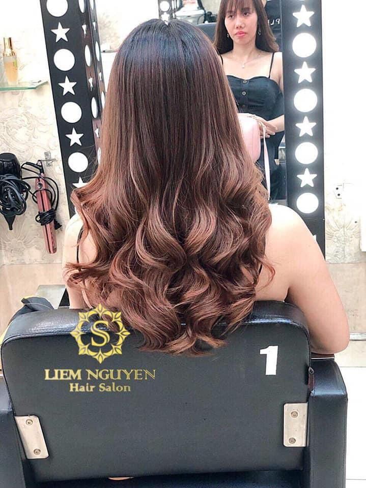 Liêm Nguyễn Hair Salon là một salon chuyên nghiệp, đặc biệt chất lượng và an toàn cho khách hàng