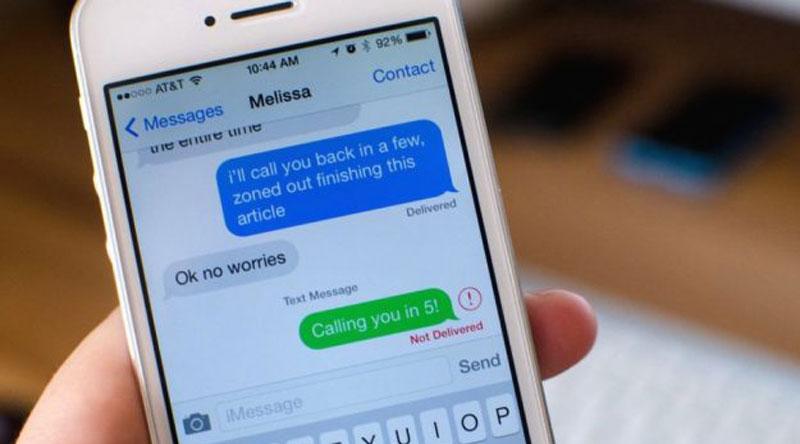 Liên tục kiểm tra tin nhắn
