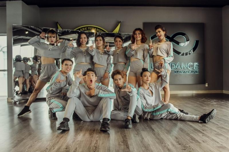 Life dance team