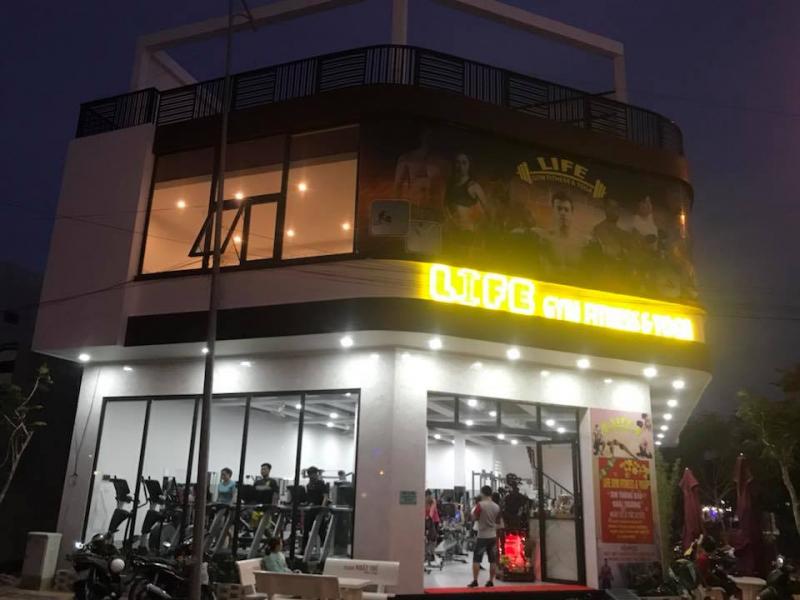 Life gym Fitness and yoga