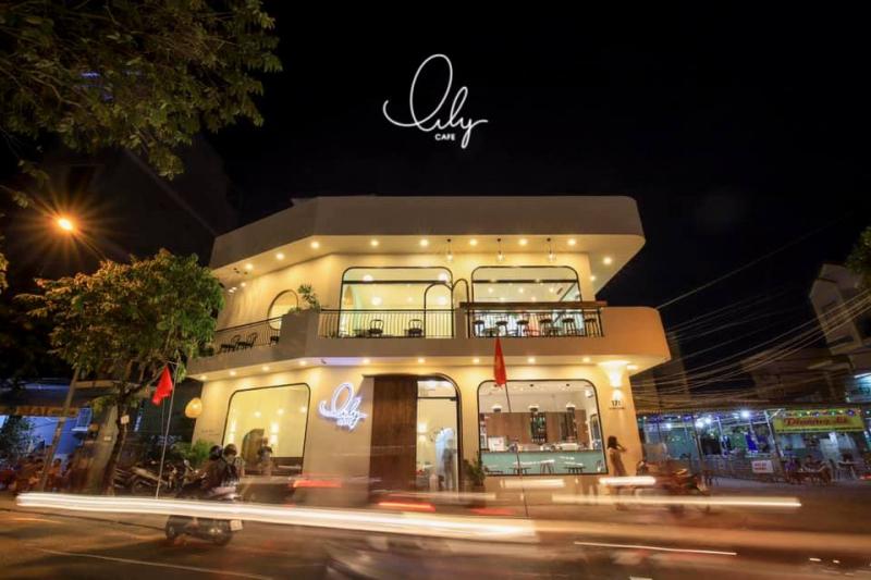 Lily Cafe