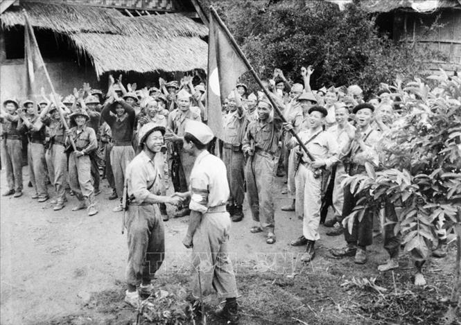 Hình ảnh bộ đội Việt Nam thời kháng chiến