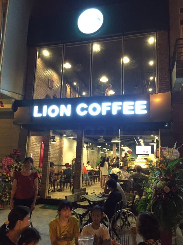 Lion Coffee Đông Anh nhìn từ bên ngoài