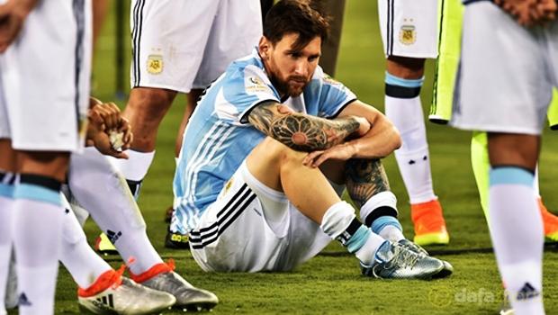 Messi đã giã từ ĐT Argentina sau thất bại ở Copa America 2016